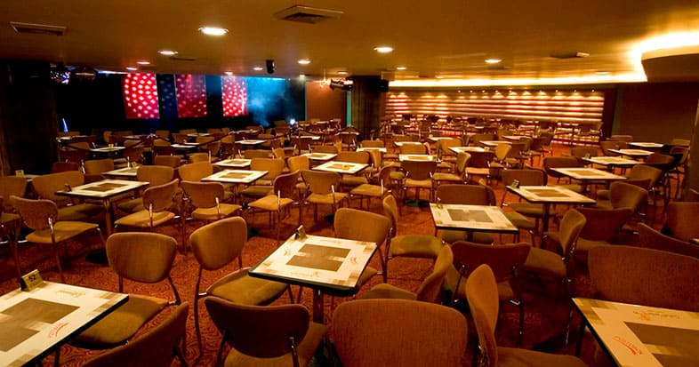 Café Concert de Hollywood Casino, C.C. Bulevar